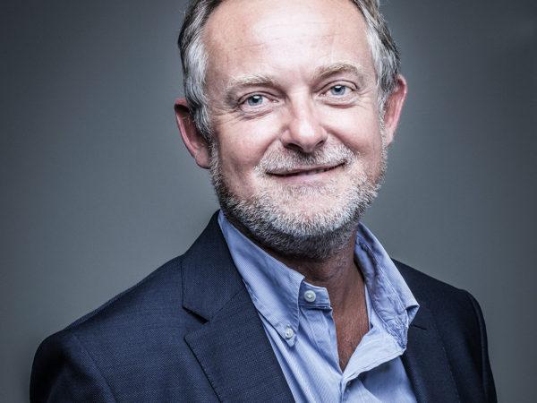 PORTRAIT DE PHILIPPE DEMOLIN, fondateur et associé du cabinet d'assurance CLC International Assurances situé à Villenave d'Ornon près de Bordeaux, par Ulrich Chofflet Photographe auteur.